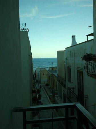 La vista dal balconcino della stanza più piccola del B&B La Terrazza ...