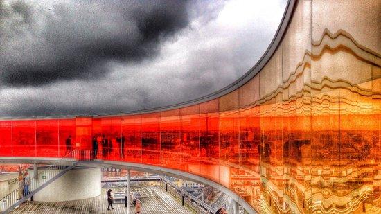 ARoS Aarhus Kunstmuseum : they have a rainbow