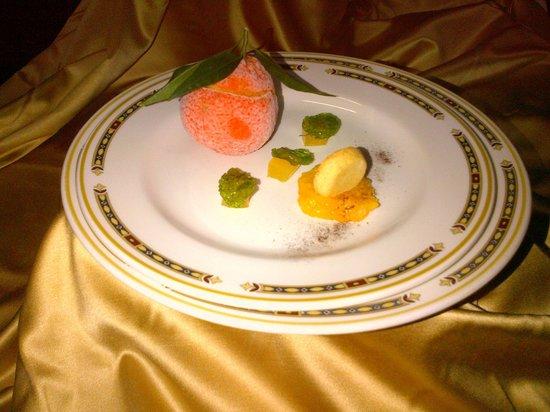 Castello di Roseto: Gioco al mandarino