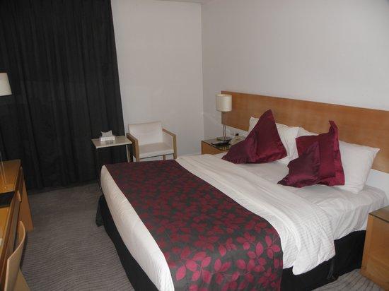 Amman Airport Hotel: Bedroom