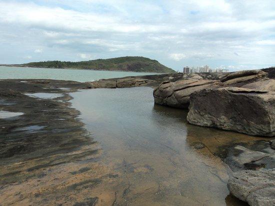 Guarapari, ES: Piscina natural depois da 2ª praia