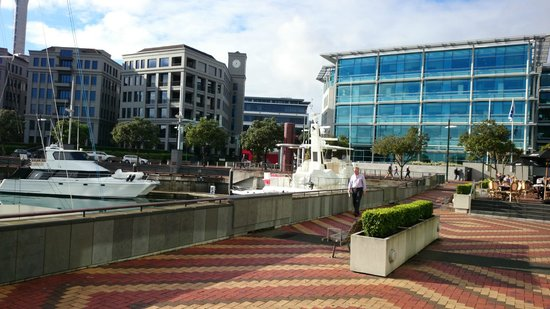 Sofitel Auckland Viaduct Harbour : Outside Hotel