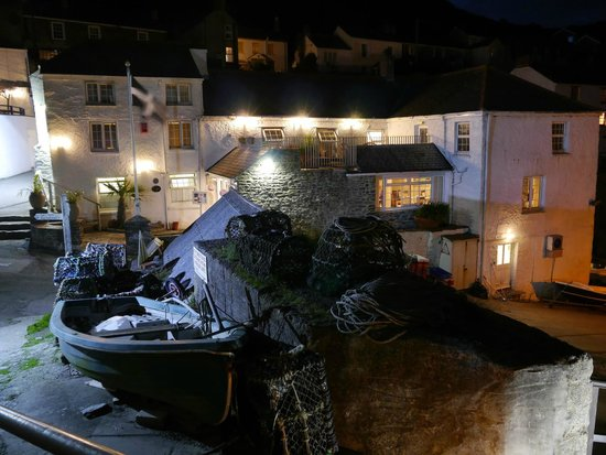 The Lugger Hotel: lugger by night