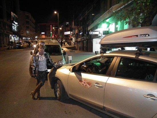Laleli Gonen Hotel: Рядом с отелем, перед обратным стартом