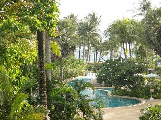 Thavorn Palm Beach Resort : вид из нашего номера