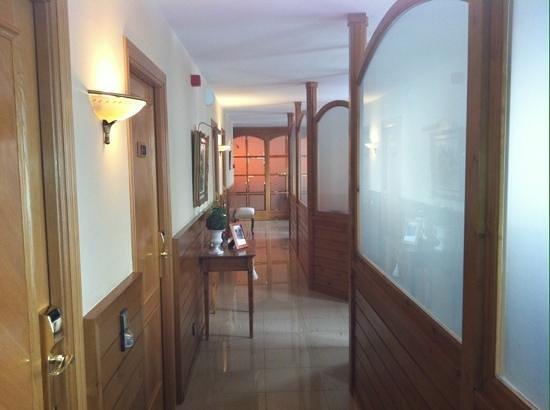 Petit Hotel: couloir