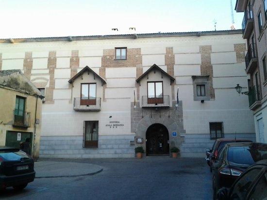 Hosteria Ayala Berganza : Fachada Hotel
