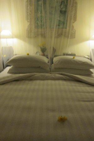 Villa Semana: The bed