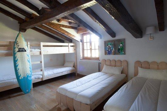 Moana Surf Hostel : Habitación para familias