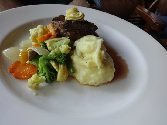 Tsavo Lion Restaurant: steak
