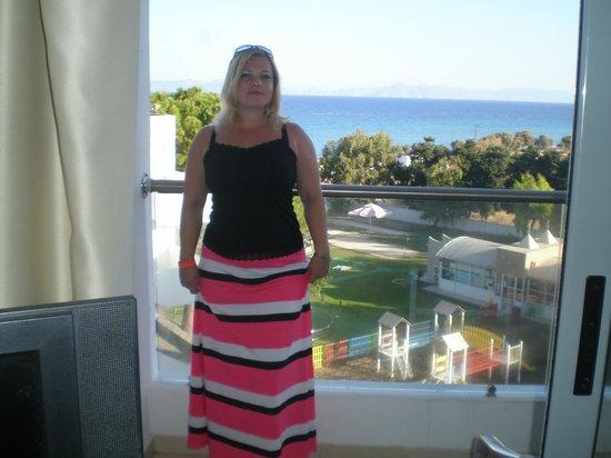 Doreta Beach Hotel : Вид из номера.