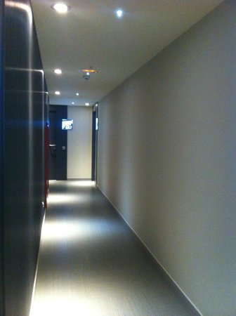Leonardo Boutique Hotel Barcelona Sagrada Familia : Corridor on 6th floor