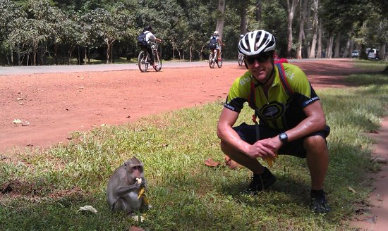 Angkor Cycle - Private Day Tours: My little friend