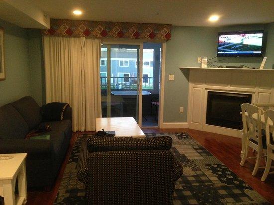Edgewater Beach Resort: Living Room