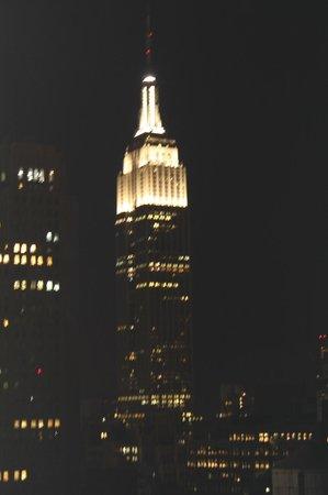 Element New York Times Square West: vue sur l empire state