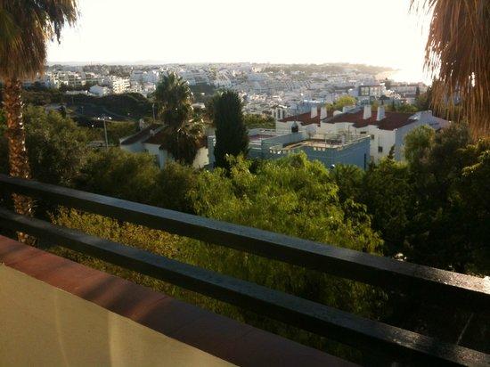 Albufeira Jardim - Apartamentos Turisticos: View over Albufeira old town from our balcony