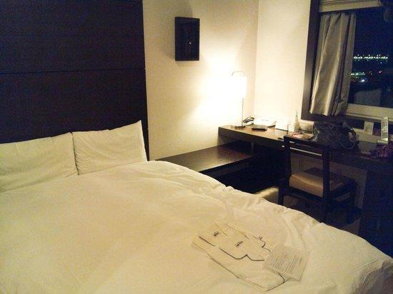 Hotel JAL City Haneda Tokyo: Номер тесный, но уютный!
