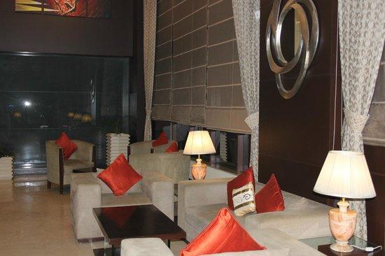 Country Inn & Suites by Radisson, Gurgaon Sector 12: Фойе отеля.