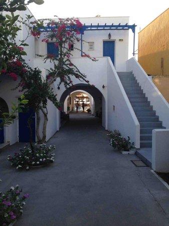 Levante Beach Hotel: Отель Levante Камари