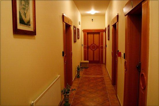 Hotel Dar: Коридор отеля