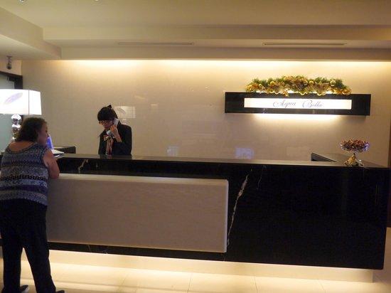 Aqua Bella Hotel: Lobby