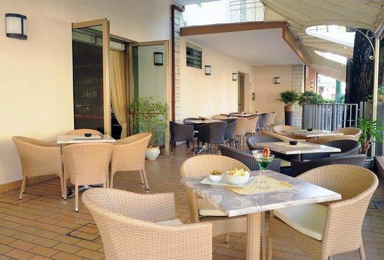 Piccolo Hotel Astoria: GIARDINO HOTEL