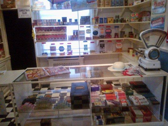 Erewash Museum: 1950's shop