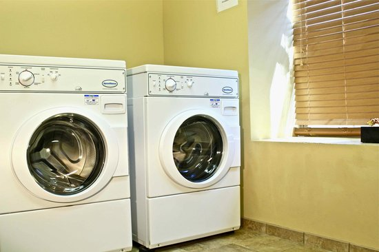 Arbuckle Lodge Gillette: Free Guest Laundry