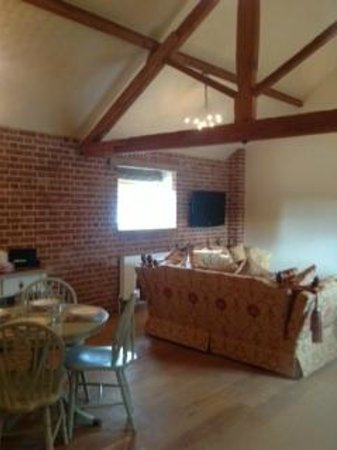 Hautbois Hall: Haybarn Lounge Dining Area