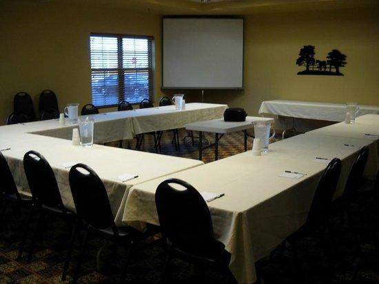 Arbuckle Lodge Gillette: Meeting Room