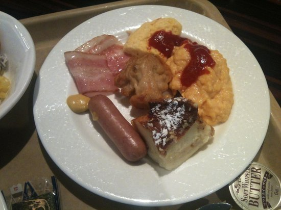 Hotel Sunroute Plaza Shinjuku: 洋おかず(ミニオムレツ、煎り卵、パングラタン、ウインナソーセージ、ベーコン)