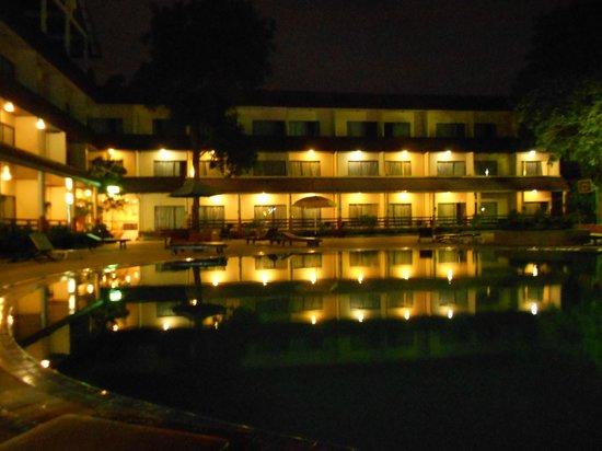 Pattaya Garden Hotel: Корпус находящийся за основным