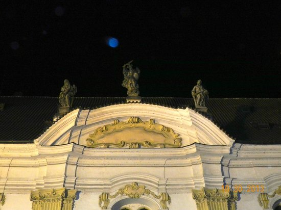 McGee's Ghost Tours of Prague : Blue orb (souls)