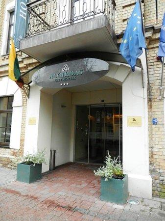 Algirdas City Hotels: Вход в отель