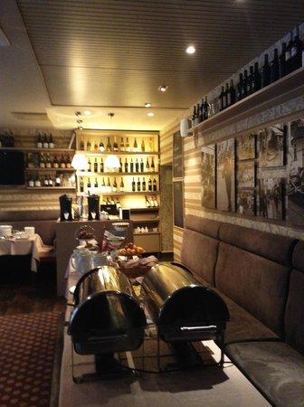 Algirdas City Hotels: На завтраке