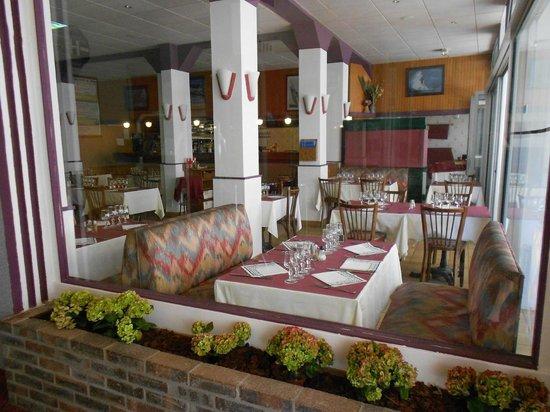 Les Arcades : Salle de restaurant