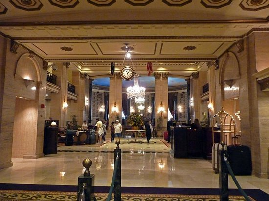 The Roosevelt Hotel: Entrance Hall and check in desks.
