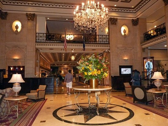 The Roosevelt Hotel: Entrance Hall