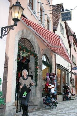 Altstadt: プレーンラインから徒歩30秒!!日本語の看板が目印です☆