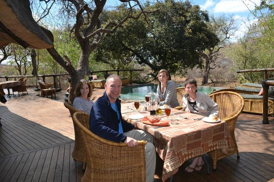 Tuningi Safari Lodge: Lunch at the main lodge