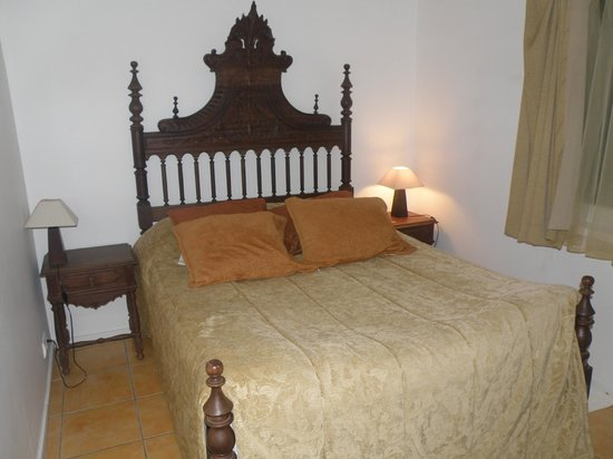 Casal Santa Virginia: Спальня