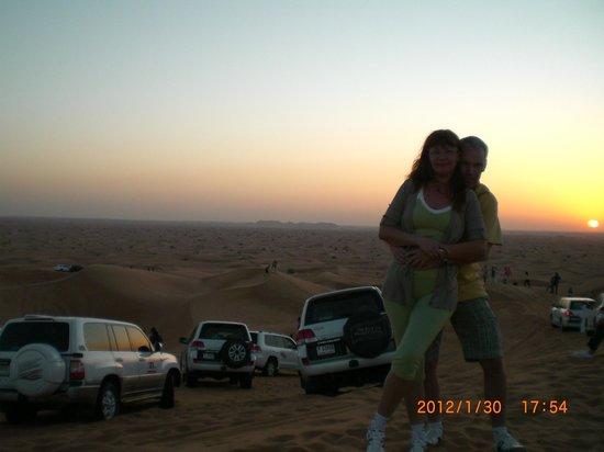 โรงแรมซิตี้แม็กซ์เบอดูไบ: Сафари в пустыне