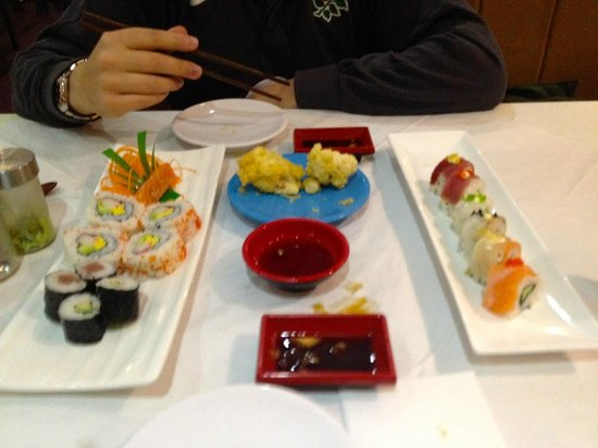 Nara Sushi: Lunch....excuse the mess Alex made on the table cloth!