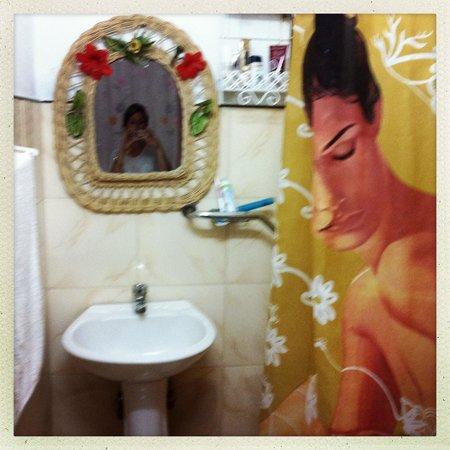 Hostal Zamora: Bathroom