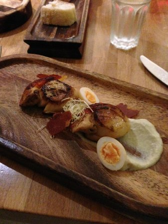 Redwing Bar and Dining: Scallops