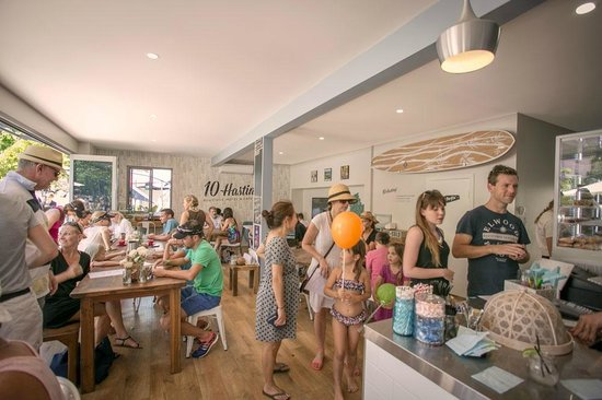 10 Hastings Street Cafe: 10 Boutique Café offers a light selection of delicious and nutritious dishes