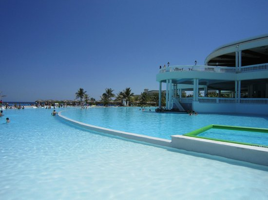 Grand Palladium Lady Hamilton Resort & Spa: Gorgeous Pool area!!