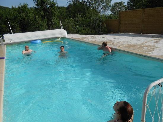 Les grands pres b b geney france voir les tarifs 24 for Chauffage piscine france