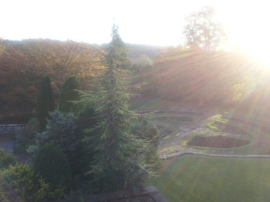 Dunsley Hall Hotel: Glorious early morning in November.
