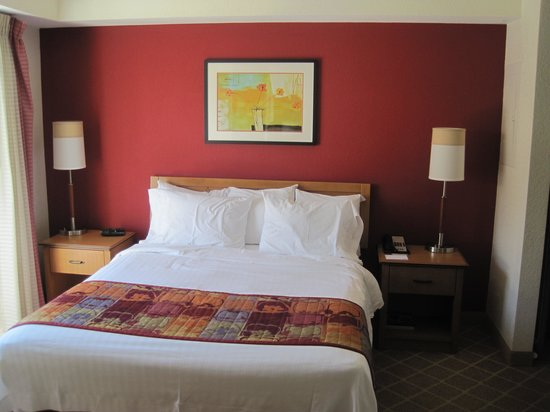 Residence Inn Palo Alto Los Altos: Comfortable Bed